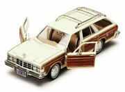 1979 Chrysler Lebaron Town And Country Wagon Motormax 73331 1/24 Diecast Model Car