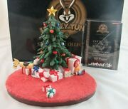 Looney Tunes Goebel Spotlight Collection Christmas Morning Scape Gift Wrapped