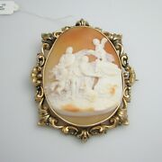 D982 Pretty 9k Yellow Gold Cameo Large Brooch