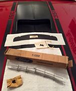 Nos Ford 1969 And 1970 Mach 1 C9zz-16a624-a Hood Scoop Argent Grille And Inner Seal