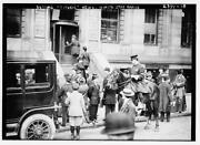 Outside White Star Line Office After Titanic Wreck 1912 2 Photo Reproduction