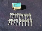 Nos 1969 1970 1971 1972 1973 Chevrolet Gm Cars And Trucks Oval Head Key Blanks