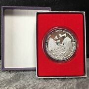 1995 A Day In The Countrynumismatic News Krause Publications Silver No Marking