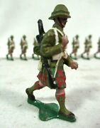 10 Authenticast 533 British Scottish Infantry Marching In Kilts Lead Toy Soldier