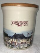 Longaberger Homestead 2 Quart Crock With Wooden Cover