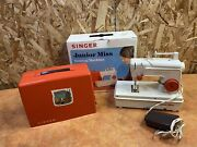 Singer Junior Miss Sewing Machine 67-b-24 With Manual No Power Supply Battery
