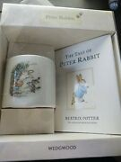 Peter Rabbit By Beatrix Potter Wedgwood Bank And Book Gift Set.