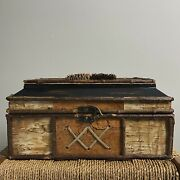 Large Antique Keepsake Box Skinned In Birch Bark And Pinecones