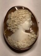 Exceptional Antique 10k Rose Gold Carved Christmas Cameo Pendant