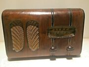 Antique 1930and039s Rca-victor Victorette Tube Radio In Good Working Condition