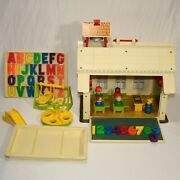 Vintage Fisher Price Little People Play Family School House 923 Complete 0121