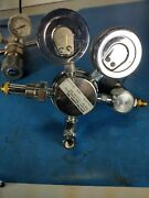 Spectra Gases High Purity Regulator 100psi/4000psi Mod. 7110-80-580 30day Ror