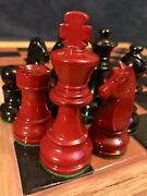 """Awesome Vintage Black And Red Lacquered Boxwood Chess Set German Knight 3.65"""" K"""