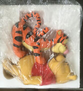 Disney Big Winnie The Pooh And Tigger Playing 17 Inch Figurine.