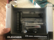 1/64 Gleaner A76 Combine - With Both Grain Heads - Tomy Ertl 16257