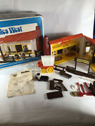Vintage 1974 Romper Room Hasbro Weebles West Corral Ranch House W/ Accessories