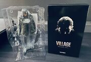Resident Evil 8 Village Collector's Chris Redfield Statue Figure Official Capcom