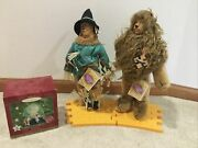 Lot Of 2 Wizard Of Oz Scarecrow Lion Dolls Yellow Brick Road And Ornament New