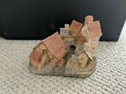 """1982 David Winter Cottages """"brookside Hamlet""""-good Condition-free Shipping"""