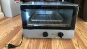 Dash Compact 4 Slice 1100 Watt Electric Toaster Oven 9x8x12 W/booklet Recipes