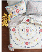 The Pioneer Woman Mazie Medallion Quilt, King Size With 2 Standard Shams