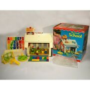 Vintage Fisher Price Little People Family School House 923 Complete With Box 621