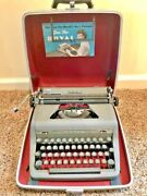 Rare Vintage Royal Quiet Deluxe Typewriter With Case Works Well
