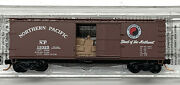 Micro-trains N Scale Northern Pacific Np 40' Wood Box Car W/ Load 04200140. New
