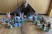 Lot Of 26 Depose Italy Fontanini Nativity Figures Variety Of Years And Manger