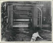 1954 Press Photo Man Operates Plate Mill At Tennessee Coal And Iron Company
