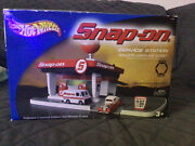 Hot Wheels Snap-on Service Station Playset With 2 Carsnewsealedfree Shipping