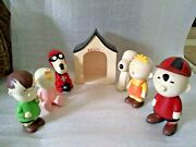 1969 Charlie Brown And Cap Snoopy Figures Linus Dog House Baby Sally Red Baron