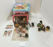 Calico Critters Highland Farm Barn Stable Horse Box Play Pretend Tire Swing