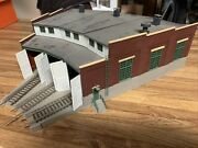 Ho Scale Engine Roundhouse/ Shed Built Brand Walthers