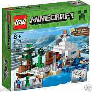 Brand New Lego Minecraft 21120 The Snow Hideout - Christmas Present