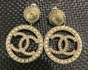 Authentic Pearl Earrings Nwt Sold Out Pearl Cc Pierced Dangle Hoops