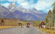 Wyoming Wy Grand Teton National Park Visitors Entrance Booths Ca1950's Postcard