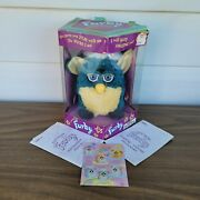 Vintage 1999 Furby Blue Turquoise Yellow Tiger Electronics 70-800 Rare In Box