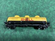 Ho Scale - Athearn Shell 40' 3-dome Tank Car Sccx 2010 - Yellow