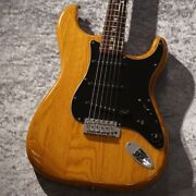Fender Vintage Stratocaster 1979 Electric Electric Guitar With Hard Case