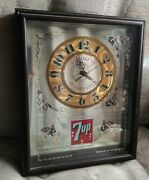 Vintage 7 Up Clock Mirrored 3d Royal Screen Craft Rare And Excellent Condition.