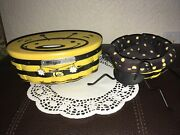 2 Longaberger Bee Baskets Protector Lid And Wrought Iron Legs Stand Combo Tie-on