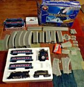 Lionel Polar Express Set 31960 3 Extra Cars 60 Feet Of Track 2 Switch Plus
