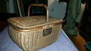 Vntg P And G Wicker Picnic Basket With Lid Proctor And Gamble Advertising Basket