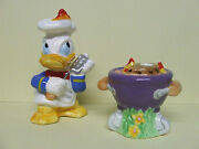 Vintage Disney Donald Duck W/bbq/grill Salt And Pepper Shakers
