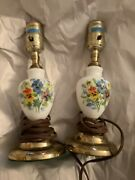 Exc Cond Vintage Pair 2 Hand-painted White Milk Glass Bedside Lamps - 7.75andrdquot