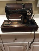 Antique Singer Model 99 -13 1924 Sewing Machine - Serial Aa009972 - Works Great
