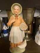 Homco Figurines Porcelain Old Woman Farmer Chicken 1426 Large 8