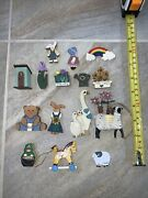 Large Lot Of 15 Pieces Of Wooden Doll House Accessories Springtime Flowers 112
