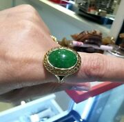 Untreated Green Jade Jadeite Oval Cabochon 18k Yellow Gold Ring